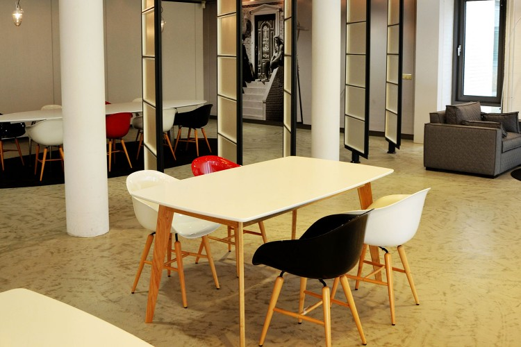 Bedrijfsruimte Beemdstraat 1, Eindhoven
