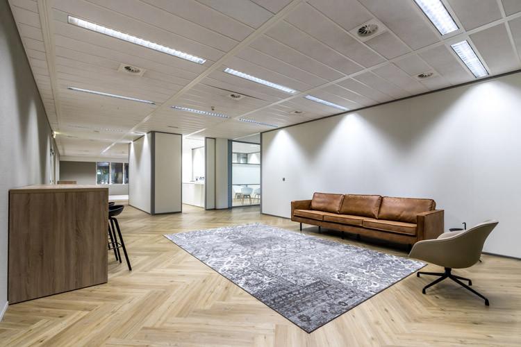 Bedrijfsruimte huren Binckhorstlaan 117, Den Haag