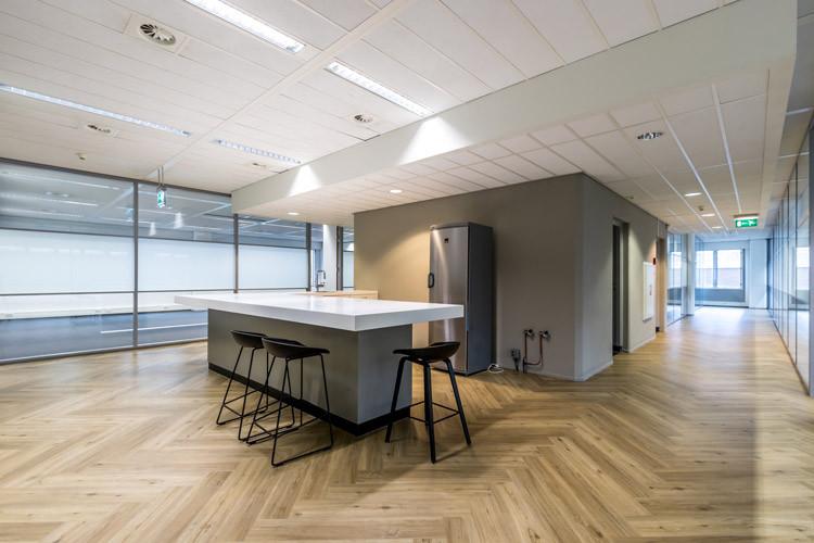 Bedrijfsruimte Binckhorstlaan 117, Den Haag