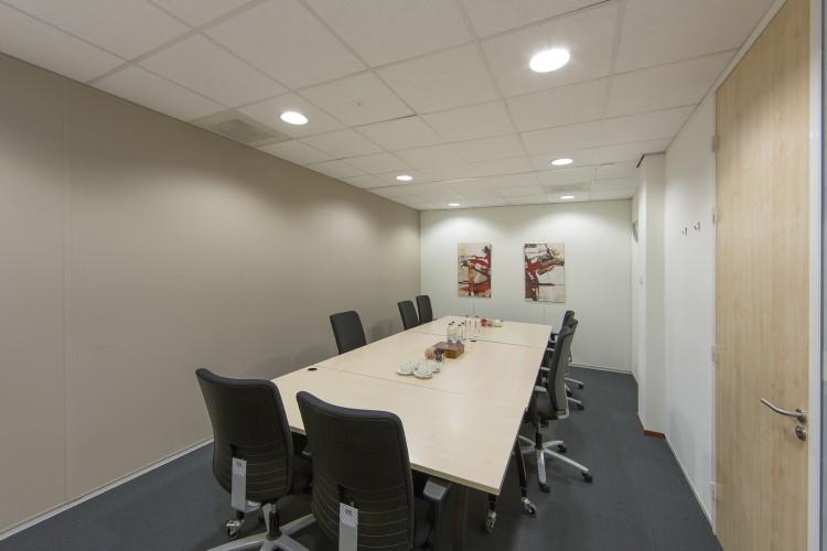 Bedrijfsruimte Busplein 40, Almere