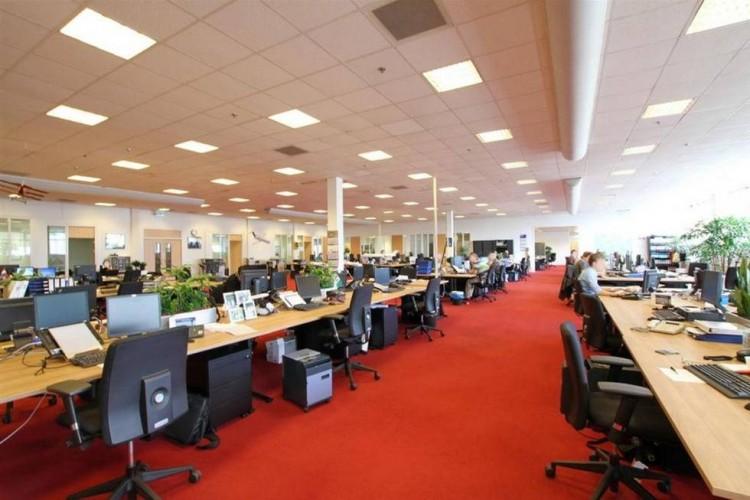 Kantoorruimte: Lucas Bolsstraat 7 in Nieuw-Vennep
