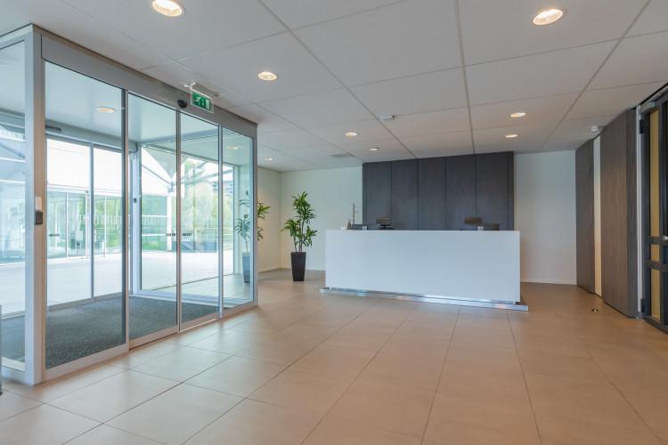 Bedrijfsruimte Mendelweg 32, Leiden
