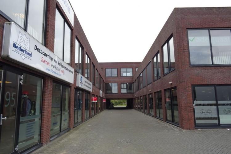 Bedrijfsruimte huren Nieuwe Langeweg 55-177, Hoogvliet