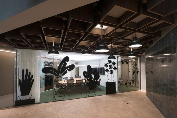 Kantoorruimte: Stationsplein 45 in Rotterdam