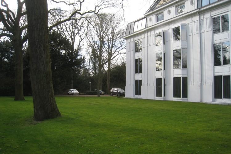 Industrieel kantoor Van der Oudermeulenlaan 1, Wassenaar