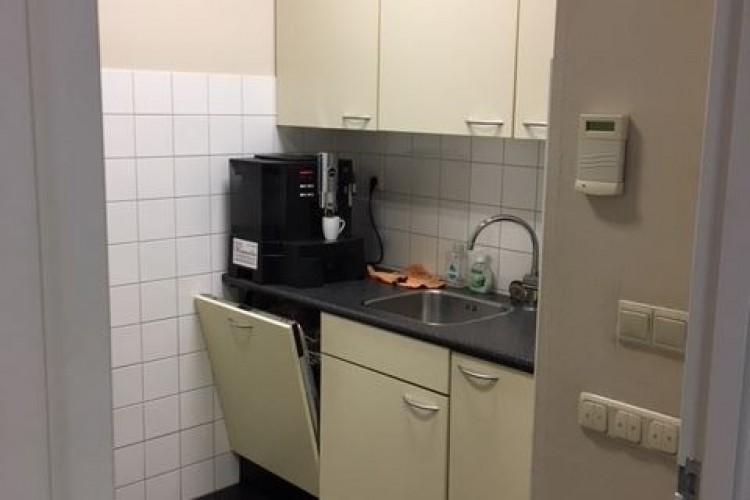 Bedrijfsruimte huren Vuursteen 8, Den Haag