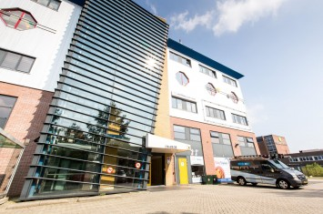 Bedrijfsruimte huren Kleveringweg 13-39 , Delft