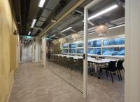 Kantoorruimte:   Burgemeester Stramanweg 102-108 in Amsterdam